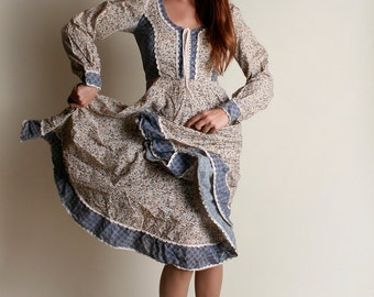 Vintage Gunne Sax Dress - 1970s Cornflower Blue Floral Print Dress - Medium