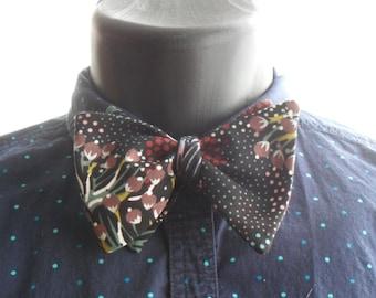 Dark Cosmic Floral Self-Tie Bow Tie