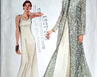 Very Easy Vogue 9990 Sewing Pattern, Misses' Overdress and Dress, Size 8-10-12, Uncut FF