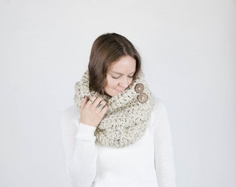 Chunky Crochet Cowl Button Down Cowl Neckwarmer With Wood Buttons / THE YOSEMITE / Oatmeal