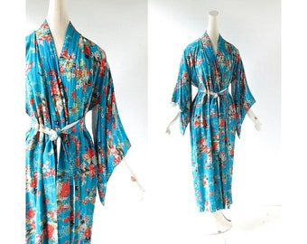 Vintage Floral Kimono / 40s Dressing Gown / 1940s Robe / One Size