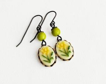 Daffodil Earrings Yellow Flower Earrings Vintage Floral Cameo Earrings Yellow Daffodil Jewelry
