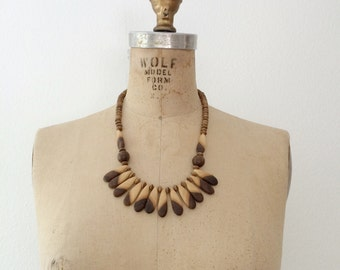 70s beaded necklace / wooden necklace / Zebra Petal necklace
