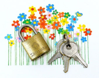 Vintage Mini SAMSONITE Padlock | Brass Padlock | Padlock KEYS | Lock & Key | 3 TINY Keys | Travel Bag Keys | Tools Hardware | Suitcase Keys
