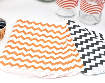 "20 Medium Halloween Chevron Favor Bags or Gift Bags . 10 each of Orange & Black . 5"" x 7.5"""