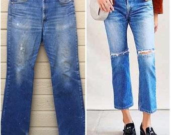 Levi's 517. Levis Boyfriend Jeans. Vintage 80s Denim. medium wash. Vintage Levis. 36 X 36.  Boot cut. Haute. red tab