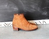 Reserved for Katie/////// vintage Rustic boho BORDER TOWN suede leather booties size 8 shoes