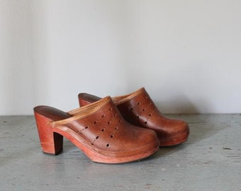 vintge TOFFEE BITS leather and wood clogs size 7.5 or 8 shoes