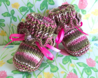 Pink Camo Camouflage Baby booties crib shoes Ruffled top 0-12M  READY TO SHIP