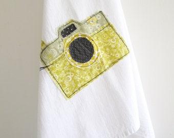 Camera Tea Towel. Flour Sack Dish Towel. Applique. Retro. Vintage Style Yellow Floral. Dish Towel. Kitchen Decor. 100% Cotton