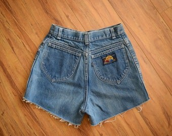 Vintage Late 70s HIGH WAIST LEVIS Cutoffs S M