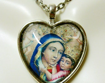 Black Our Lady of Mount Carmel heart pendant and chain - AP40-008