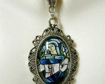 Mary stained glass window pendant with chain - AP04-122