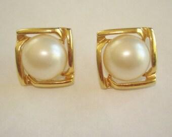 Pearl Gold Stud  Earrings