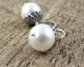 Silver Acorn Earrings, White Pearl Earrings, Acorn Earrings, Acorn Drop Earrings, Bridesmaid Gift, Wedding Jewelry Woodland