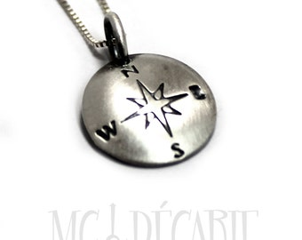 Silver round necklace, disc 10 mm diameter, charm necklace in silver, custom necklace, compas pendant, compas necklace, silver charm