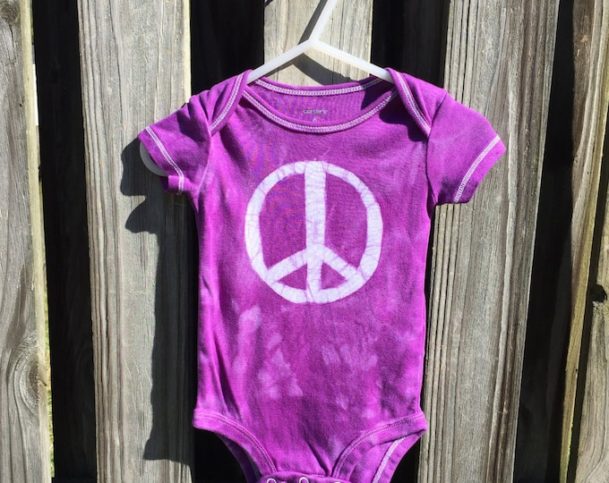Peace Sign Baby Bodysuit, Purple Baby Peace Sign Bodysuit, Peace Sign Baby Gift, Baby Shower Gift, Gender Neutral Baby Gift (6 months)