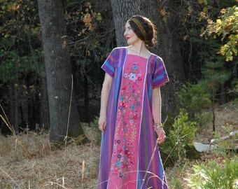 Vintage 1970s Mexican Maxi Dress... Lovely Cotton... Beautiful Embroidery... Happiness Incarnate