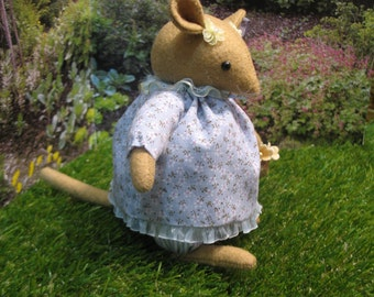 Miss Daisy   Inspired by the enchanting stories of Brambly Hedge Collectible item