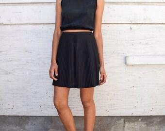Vintage DKNY 1990's Black Minimalist Wool Pleated High Waisted Accordion Mini Skirt S/M 29