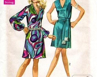 1960s JIffy V Neck Dress - Vintage Pattern Simplicity 8625 - Bust 34 UNCUT FF