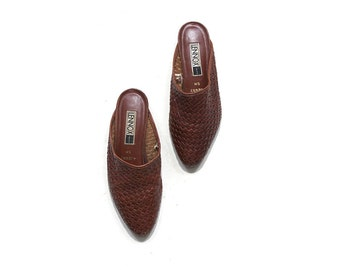 Vintage Leather Slides 5 / Brown Leather Sandals / Woven Leather Slip Ons
