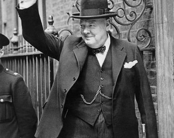 "Winston Churchill ""V"" Victory 8 x 10 image suitable for framing"