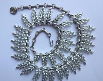 Vintage Silver Toned Adjustable Leaf Choker Necklace By Lisner
