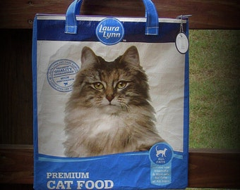 Zippered Tote Bag, Feed Sack Bag, Cat Food Tote, White and Blue, Recycled Feed Bag, Feedsack Tote, Zippered Bag, Feedsack Bag, Feed Sack