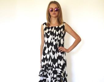 60s Black White Optical Illusion Tiered Ruffle Sheath Midi Dress xs s