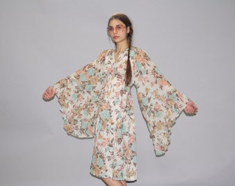 1960s Vintage Boho Angel Sleeve Floral Hippie Festival  Dress - Cotton Boho Floral Dress -  1970s Floral Dress -   WD0690