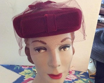 Vintage 1950s 1960s Hat Ringlet Pillbox Burgundy With Veiling