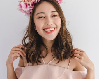 pink flower spring racing fascinator // spring races flower crown headband, statement floral headpiece, melbourne cup, oaks day