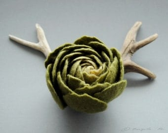 READY TO SHIP, Felt Ranunculus Flower Brooch, Olive Green Ranunculus Felt Flower Brooch, Floral jewelry, Natural jewelry