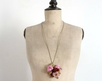 Long Necklace Pendant Vintage 40s Antique Wedding Bouquet of Flowers and Dried Seeds