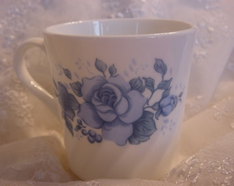 Set of 2 Vintage Blue Velvet Corelle by Corning Coffee Cups Mugs Shabby Blue Roses Retro Kitchen Coffee Tea Cups