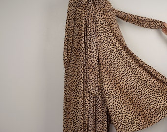 Claire Sandra by Lucie Ann of Beverly Hills Full sweep animal print Peignoir Set 70s nightgown robe lingerie negligee medium large 38
