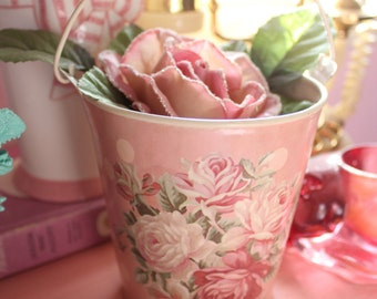 Vintage Shabby Chic Pink Floral Rose Bucket
