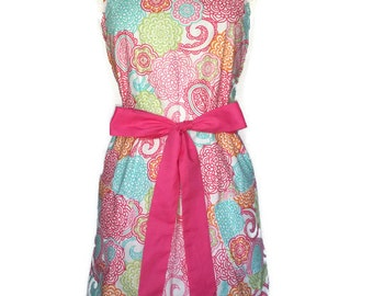 Classic Apron for women, Flowers Apron, pink ties, Floral Apron, Christmas gift, Bridal Shower gift, cute pinup apron for mom