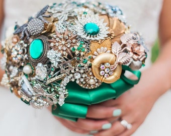 Custom Large Jeweled Crystal Brooch Bouquet - Made To Order - Art Deco Beauty - Emerald Green Timeless Bridal Bouquet - Bling