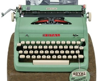 1957 Green Royal Quiet De Luxe Typewriter / Professionally Serviced / Royal Typewriter / Working Typewriter / Gifts for Writers, Writer Gift