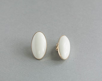 Vintage White Sarah Coventry Clip On Earrings with Rhinestones Round Retro Jewelry Mid Century Wedding