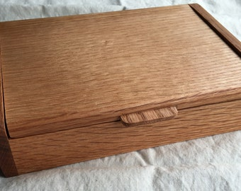 Handmade oak keepsake box