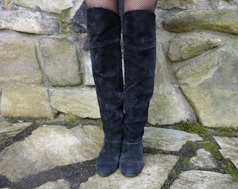Black suede vintage 80's-90's over knee boots low heel Gothic Renaissance Medieval LOTR Elf cosplay costume back lacing US 7-8 euro 38
