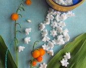 35 Vintage White Lily Of The Valley Bead