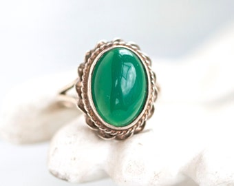 Green Boho Ring - Vintage Sterling Silver Ring - Size 6.5