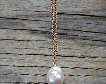 White baroque pearl pendant. Rose gold pearl necklace. Solitary large while pearl drop necklace. Rose gold chain with pearl - MADE TO ORDER