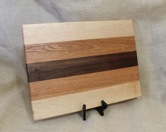 Harwood Cutting Board or Carving Board Made of Maple, Walnut and Oak
