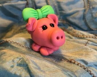 Miss Pinky Piggy, charm/ ornament