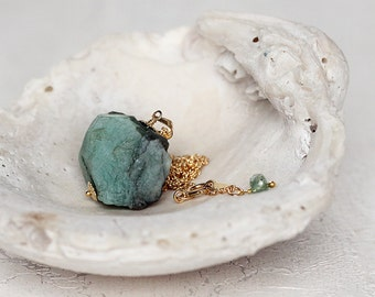 Raw Emerald Necklace -  May Birthstone Necklace  - Emerald Jewelry - Rough Emerald Pendant - Natural Stone Necklace - Gift For Her